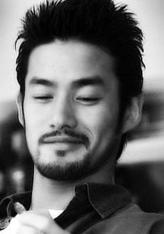 Yutaka Takenouchi as Seijuro Asahina [Seijuro/Daisuke] At least, he's japanese (?)