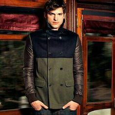 Ashton♡ Ashton Kutcher, Half Man, Man Candy, That Look, Leather Jacket, Actors, Nice, Men, Book