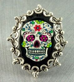 REALLY want this ring.  Of course, I REALLY want EVERYTHING I pin to this board!