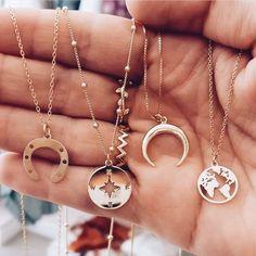 Darling Dainty jewelry korean,Jewelry unique van cleef arpels and Dainty boho jewelry. Dainty Jewelry, Cute Jewelry, Boho Jewelry, Jewelry Accessories, Fashion Accessories, Jewelry Necklaces, Jewelry Design, Women Jewelry, Fashion Jewelry