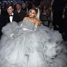 Ariana Grande News, Ariana Grande Photoshoot, Ariana Grande Pictures, Star Eyes, Beauty Kit, Dangerous Woman, Celebs, Celebrities, Music Awards