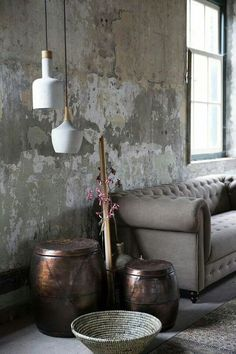 raw cement walls: No.grey sofa: Yes - Home Decor Ideas Style Vintage, Vintage Home Decor, Home And Living, Living Room, Distressed Walls, Cement Walls, Deco Design, Wall Treatments, Wabi Sabi