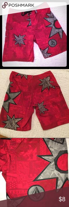 Mens 36 Volcom Board Shorts! 💥 Volcom size 36 men's board shorts red with gray/black patch work! Velcro side pocket. Shorts have a zipper fly with Velcro top and string tie. Volcom Swim Board Shorts
