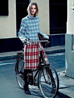 Julia Frauche by Zee Nunes for Vogue Brasil October 2013