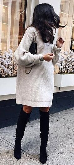 25 Ways To Wear Thigh High Boots This Winter Dieses Pulloverkleid sieht toll aus als oberschenkelhohes Stiefel-Outfit Sweater Dress Outfit, Black Sweater Dress, Casual Dress Outfits, Mode Outfits, Sweater Dresses, Gray Sweater, Knit Dress, Dress Black, Dress Boots