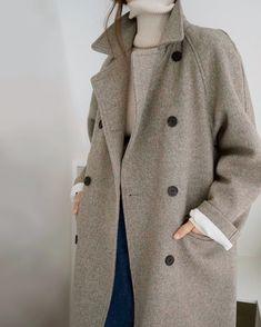 Death By Elocution - Minimalist Style Simple Street Style, Edgy Style, Mode Style, Minimalist Outfit, Minimalist Fashion, Look Fashion, Fashion Outfits, Fashion Tips, Fashion Ideas