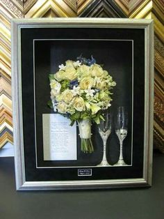 Love this shadow box arrangement!! ♡