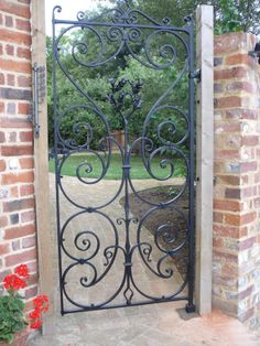 Eminent Master Blacksmiths & Architectural Wrought Ironwork - Traditional Iron Gates