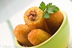 Chulitos Recipe (Cassava Mini-Rolls): Humble, and often looked down upon, these are one of the best buffet dishes in the Dominican cuisine.