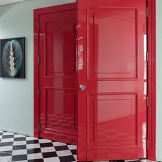 Porta de abertura dupla com pintura vermelho P.U brilhante (Sayerlack) - Ecoville Portas Especiais