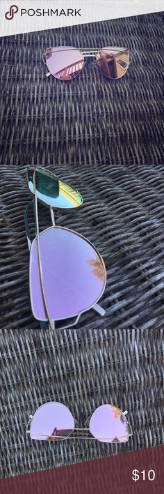 Sunglasses Super trendy rose gold reflective sunglasses. Worn once. Bought off amazon Accessories Sunglasses
