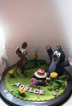 Figurky na dort krtek s myškou a dekorace -z pravého marcipánu a s přírodními barvivy Sugar Paste, Delicious Food, Fondant, Cake Decorating, Birthday Cake, Decorations, Yummy Food, Birthday Cakes, Dekoration
