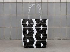 "Strandtasche ""Diamanten"" von blandine taschen  auf DaWanda.com Strand, Reusable Tote Bags, Etsy, Tents, Totes, Men, Bags"