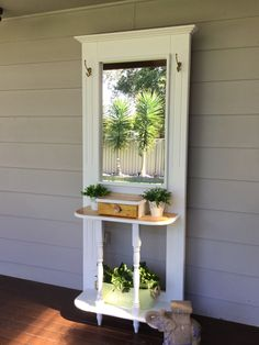 From raw to ravishing.this is how to transform a hallstand from ugly brown to beautiful Hampton. Diy Furniture Projects, Refurbished Furniture, Fine Furniture, Repurposed Furniture, Shabby Chic Furniture, Furniture Makeover, Recycled Door, Door Crafts, Vintage Doors