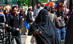Muslims in UK top 3 million for first time with over 50% born abroad