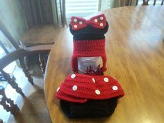 Crocheted Minnie mouse set