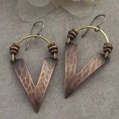 Jewelry Jewellery ジュエリー Bijoux Gioielli Joyas Art Arte Création Artistique Precious Metals Jewels Settings Textures Mixed-metal earrings by IntuitiveGlass Copper Earrings, Copper Jewelry, Wire Jewelry, Beaded Jewelry, Jewelery, Heart Earrings, Dangle Earrings, Jewelry Necklaces, Earrings Handmade
