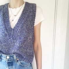 Vest Outfits, Cute Casual Outfits, Fashion Outfits, Knitting Designs, Knitting Patterns, Argyle Sweater Vest, Knit Vest Pattern, Crochet Woman, Drops Design