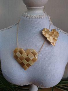Card Weaving, Paper Weaving, Weaving Art, Straw Crafts, Leaf Crafts, Straw Weaving, Basket Weaving, Maori Patterns, Hawaiian Crafts