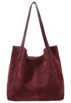 bc9d227c353ea KIOMI. Handtasche - burgundy. Obermaterial Leder. Tragehenkel 26 cm bei  Größe