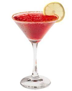 Margarita de jamaica    1 oz. mezcal  1 oz. de concentrado de jamaica  1 oz. jarabe natural  1 oz. jugo de limón  1 oz. licor de naranja  Chile piquín en polvo y rodaja de limón para decorar.