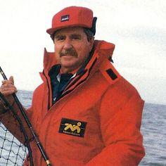 Angler Ted Entwistle vor der Isle of Wight.  Südwestlich der Isle of Wight auf #Großdorsche fischen, von Trevor Housby erfahren wir, wie es #Angler Ted Entwistle dabei ergangen ist  http://www.angelstunde.de/angler-ted-entwistle/