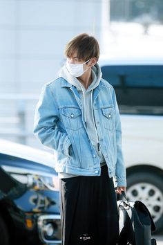 BTS (#V) Airport Style