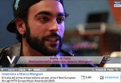 """Marco Mengoni intervistato da una fan, svelata la formula del suo successo: """"Bisogna lavorare e non sentirsi mai arrivati"""" (INTERVISTA)"""