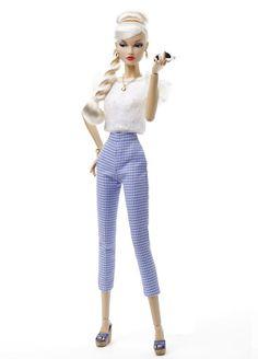 87002 Poppy Parker Fashion Teen Shop Around「ショップ White Lace Crop Top, Lace Crop Tops, Fashion Royalty Dolls, Fashion Dolls, Teen Shopping, Poppy Parker, Perfect Woman, Teen Fashion, High Fashion