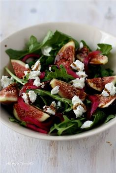 This one has the sweetness of ripe figs, the mild flavor from the goat cheese, the bite from the arugula and the salty, vinegary crunch of pickled onions. Instead of salad dressing, just use a splash of olive oil and a drizzle of your best balsamic vinegar, which you have reduced on the stove top till it's thick and syrupy