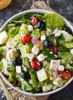 Vegetarian Main Dishes, Main Dish Salads, Healthy Dishes, Vegetarian Recipes, Healthy Summer Recipes, Easy Salad Recipes, Dessert Recipes, Greek Chicken Salad, Greek Salad
