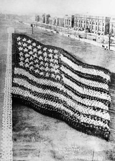 U. S. flag formed by thousands of American sailors at Great Lakes Naval Station, Great Lakes, IL, December 1917