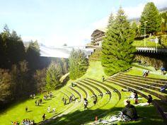 Car park hidden inside a green-roofed bridge | HiddenCarpark_hero-2013121013866311406906 | ODS