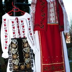 Romania - Folk Costumes Cool Halloween Costumes, Folk Costume, Gypsy, Bell Sleeve Top, Culture, Popular, Traditional, Folklore, Civilization