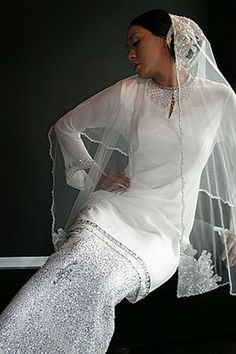 Suitable for simple yet elegant bride.