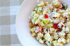 aardappelsalade met groenten en yoghurt