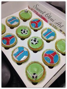 """2017.01.06 - Cupcakes """"PSG"""", vanille cœur de fraises"""