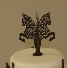 Here is a closer pic of the topper, see whole cake in 3D Animals.