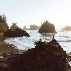 Sampling the local flavor at Brookings, Oregon | Photo by @bdorts
