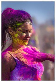 Holi Festival of Colors, Norwalk CA, Nikon Holi Ka Photo, Happy Holi Photo, Holi Festival Of Colours, Holi Colors, Indian Color Festival, Festival Photography, Girl Photography Poses, Beautiful Girl Image, Beautiful Girl Indian