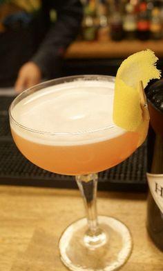 Breakfast Martini Recipe: - 4 cl Gin - 2 cl Cointreau - 2 cl Lemon Juice - 1 barspoon Orange Marmalade Glass: Chilled cocktail/Martini Ice: None Method: Shake and fine strain Garnish: Orange zest