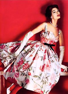 what a PERFECT dress!...gotta be one of my all time fave vintage dresses! <3 <3 <3 Pierre Balmain evening dress from 1957