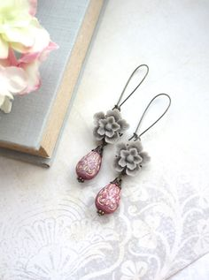 Grey Sakura Flowers and Purple Red Gold Inlaid Ornate Lucite Beads Earring. Maid of Honor. Bridesmaid Gift. Summer Wedding. Spring Inspired.