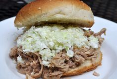 Vinegar Slaw to go on Slow Cooker Southern Style Pulled Pork BBQ sandwich. (Obviously, this slaw is not made in the slow cooker. Slaw For Pulled Pork, Pulled Pork Recipes, Bbq Pork, Barbecue, Pork Roast, Side Dishes Easy, Side Dish Recipes, Main Dishes, Vinegar Coleslaw