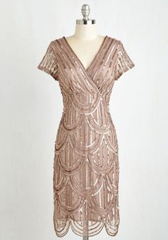 One would be pushed to find a vintage screen siren as stylish as The Great Gatsby's Daisy Buchanan. When the newest movie adaptation was released just over two years ago, the world went mad for 1920s vintage glamour, and to this day Daisy Buchanan is