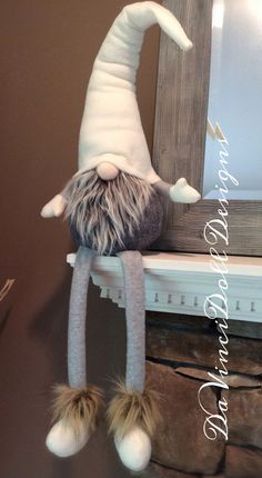 icu ~ Shelf Sitter Gnome by DaVinciDoll Designs© Swedish Norwegian Tomte Nisse Gnome features weighted… Christmas Gnome, Christmas Makes, Diy Christmas Gifts, Christmas Projects, Holiday Crafts, Christmas Decorations, Christmas Ornaments, Scandinavian Gnomes, Scandinavian Christmas