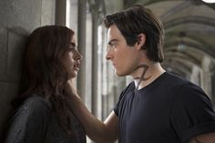 Lily Collins y Kevin Zegers