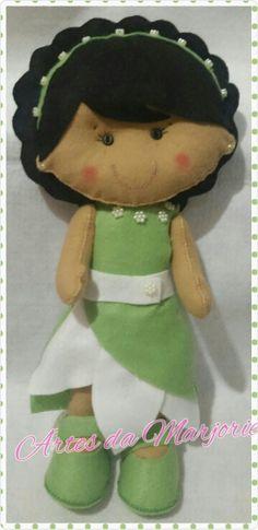 Boneca em feltro #tiana