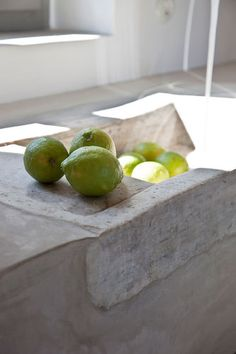 Concrete sink with lemons. Concrete Sink, Stone Sink, Tadelakt, Bathroom Taps, Lemon Lime, E Design, Interior Design, Beautiful Homes, House Beautiful