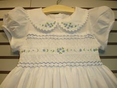 New boutique design hand embroidered smocked Dress - Size 2 3 4 White Girls Smocked Dresses, Little Girl Outfits, Little Girl Dresses, Kids Outfits, Smocked Clothing, Frock Design, Baby Dress Design, Smocking Patterns, Dress Patterns